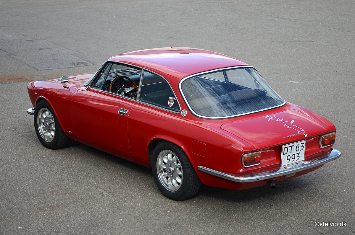 1969 Alfa Romeo 1750 GT Veloce Series 1 For Sale (picture 6 of 6)