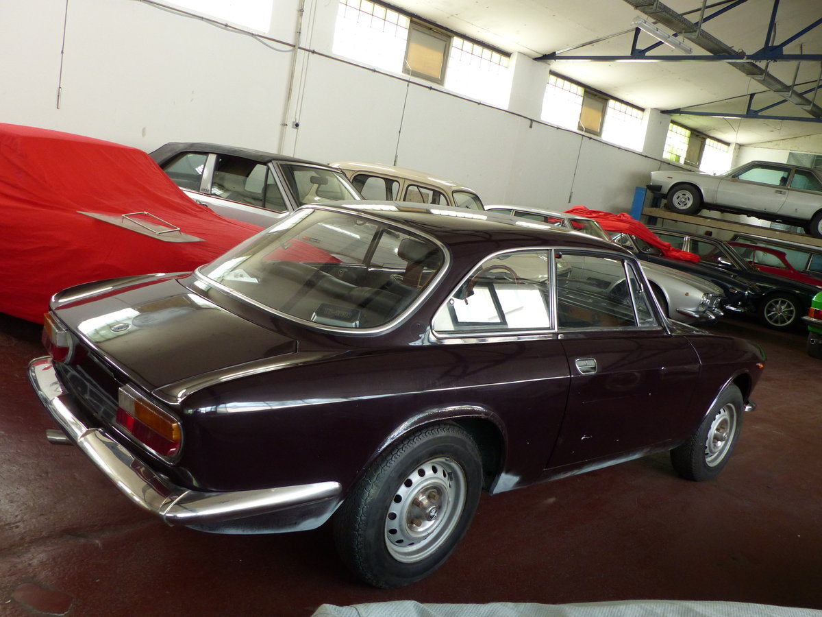 1972 top original Alfa Bertone GTV 2000, two owners For Sale (picture 4 of 6)