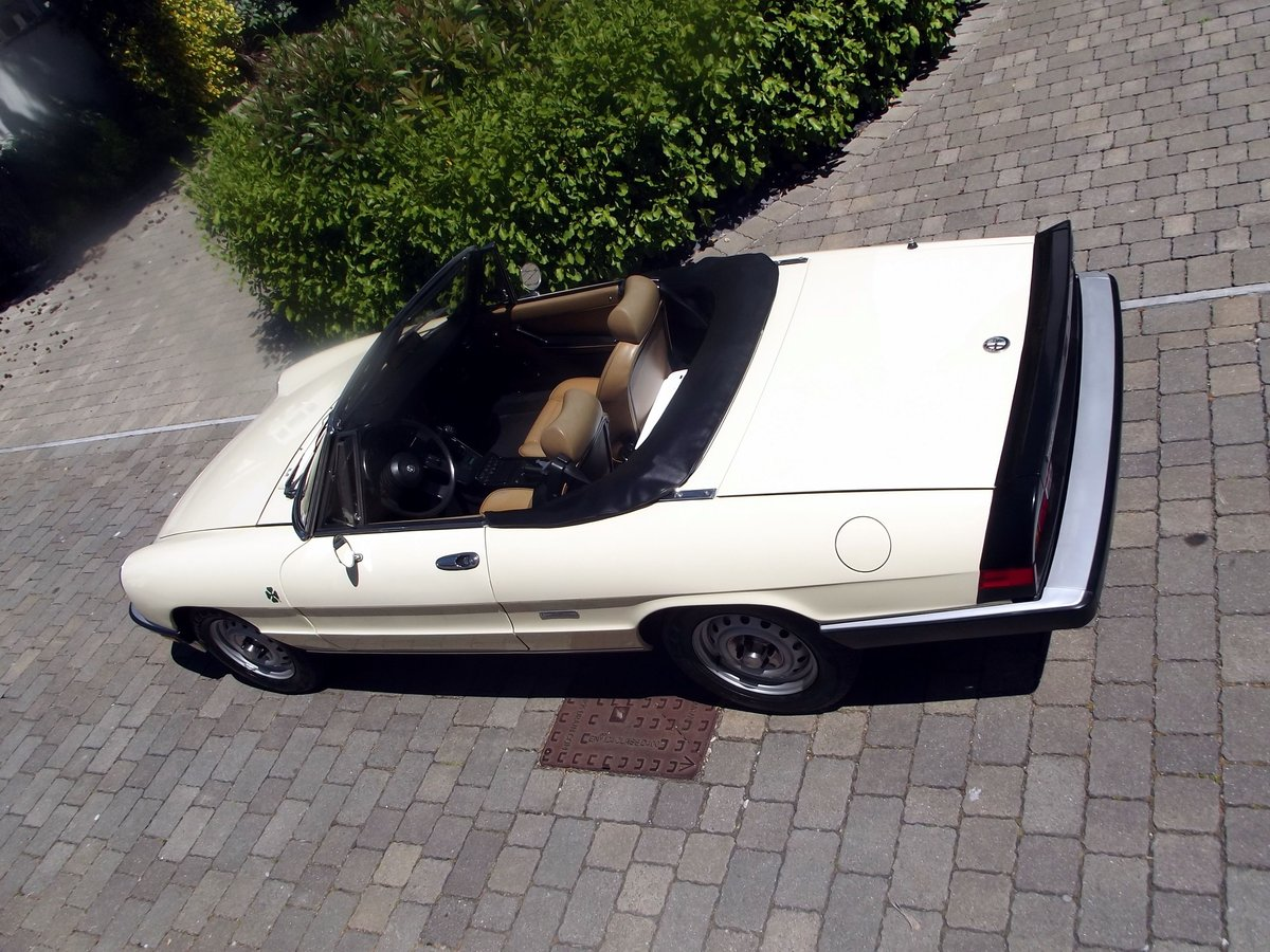 1987 ALFA ROMEO SPIDER Inj  (THE GRADUATE) LHD SOLD (picture 3 of 6)