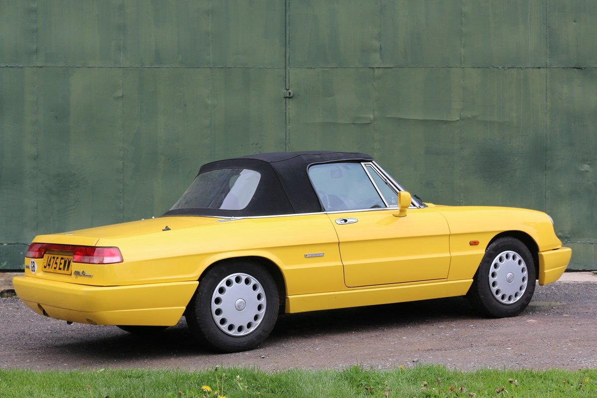 1990 ALFA ROMEO SPIDER 1600 S4 In Giallo Ginestra For Sale (picture 2 of 6)