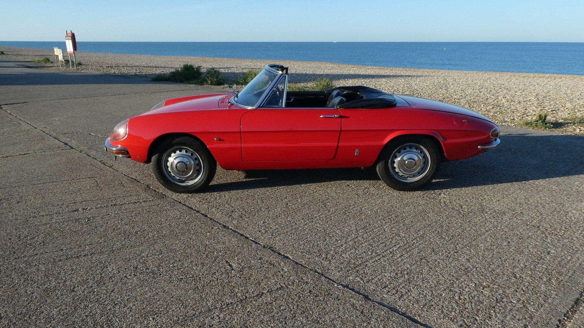 1967 Alfa Romeo Duetto Spider  SOLD (picture 3 of 6)