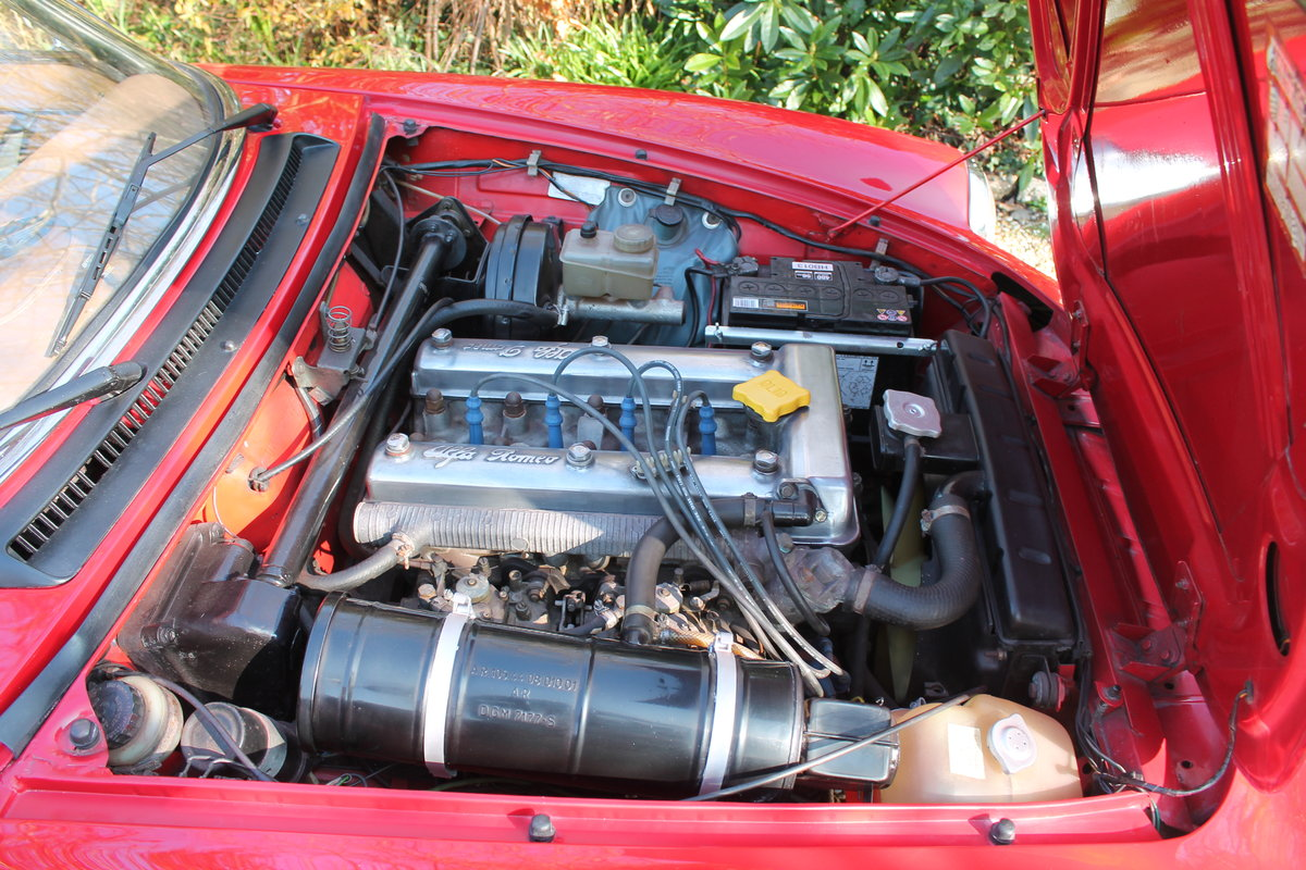 Alfa Romeo Spider S3 Red 1984 For Sale (picture 3 of 6)