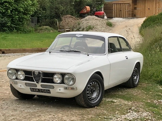 1969 Giulia Sprint GTV 1750mk1 Alfaholics 200bhp SOLD (picture 1 of 6)