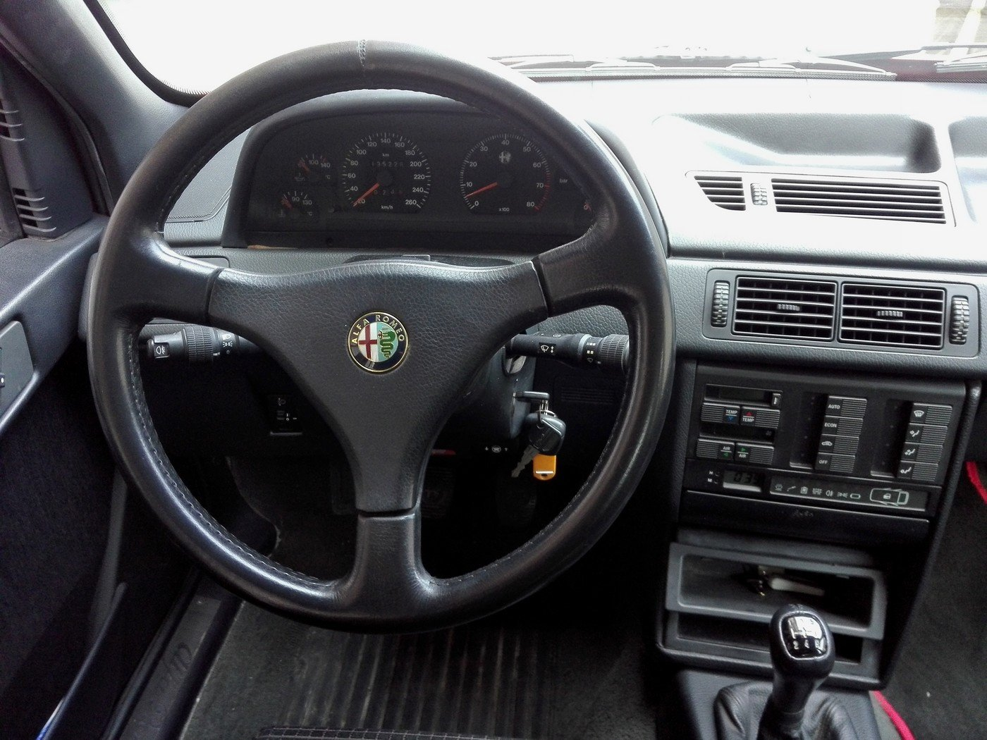 1994 One of the 2700 alfa 155 q4 ,full history. For Sale (picture 5 of 6)
