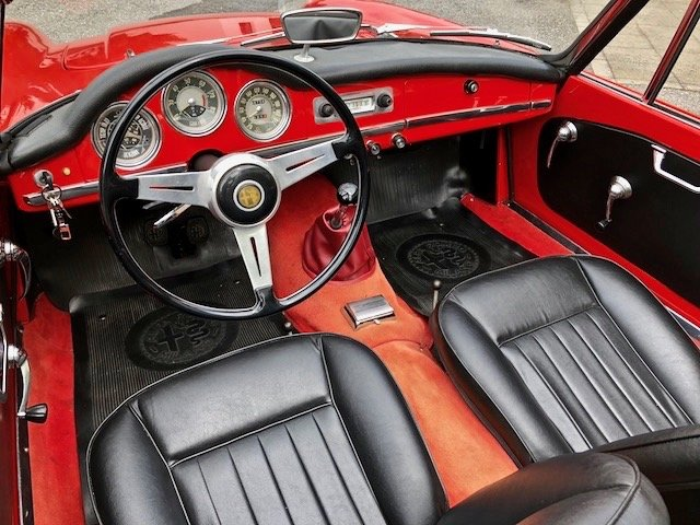 1963 ALFA ROMEO GIULIA SPIDER 1600 OMOL.ASI ORO SOLD (picture 4 of 6)