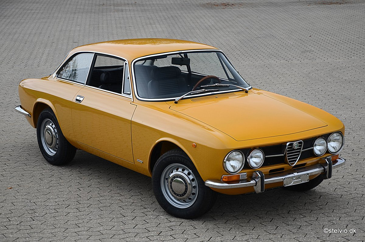 1971 Alfa Romeo 1750 GT Veloce, Ground-Up restoration For Sale (picture 1 of 6)