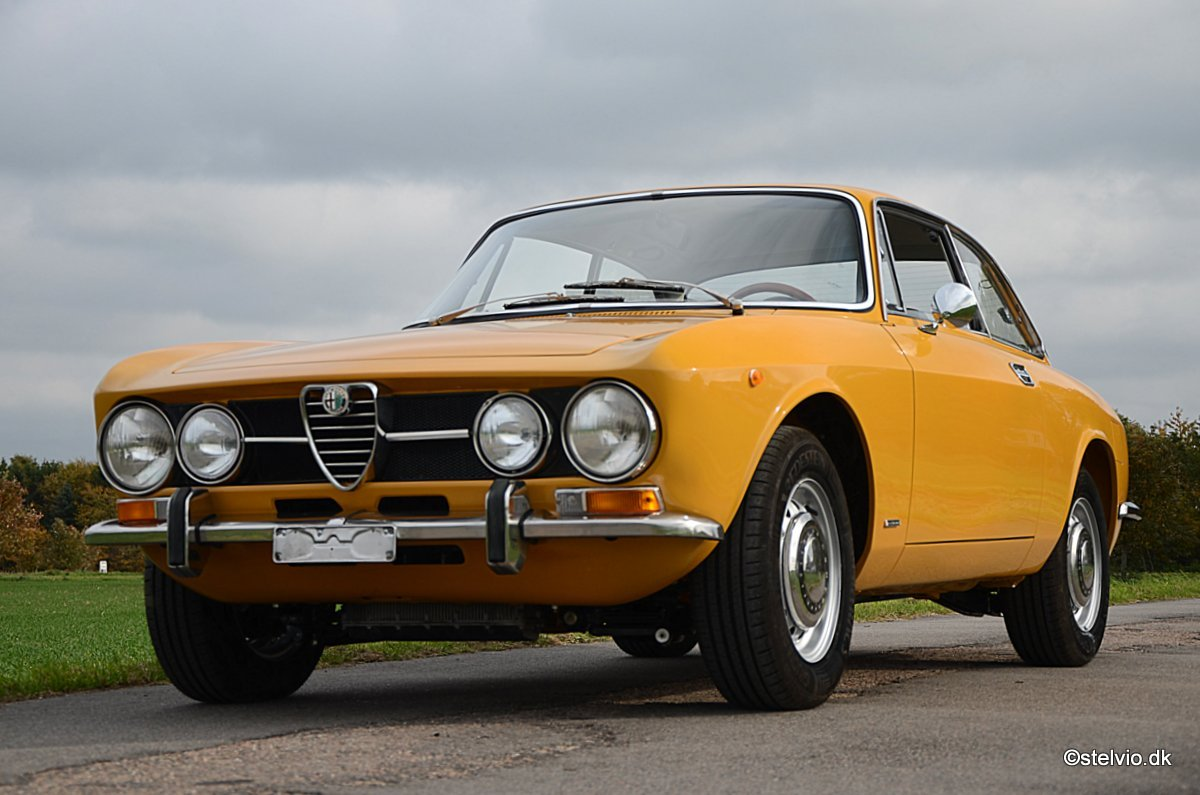 1971 Alfa Romeo 1750 GT Veloce, Ground-Up restoration For Sale (picture 2 of 6)