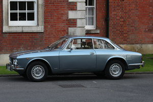 1974 Beautiful Bertone GTV in great colour combination For Sale