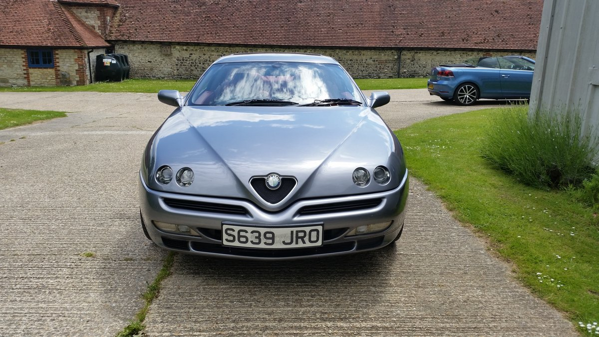 1999 Alfa Romeo GTV V6, Lusso spec with red leather For Sale (picture 3 of 6)