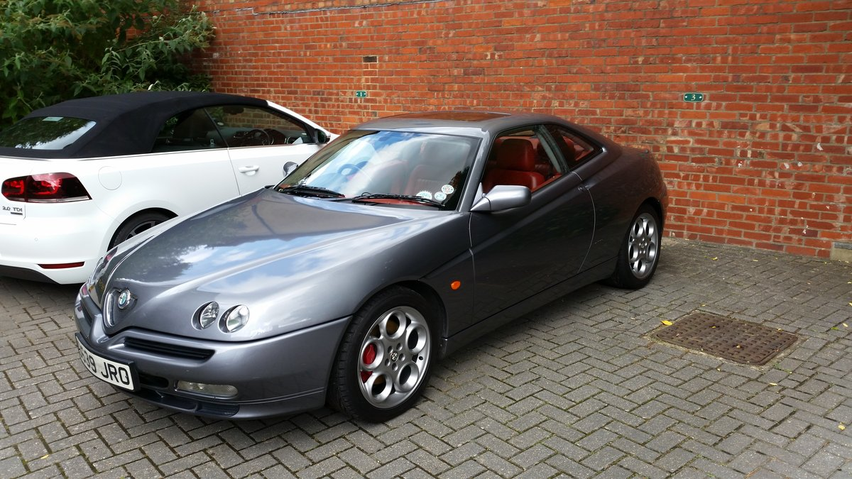 1999 Alfa Romeo GTV V6, Lusso spec with red leather For Sale (picture 6 of 6)