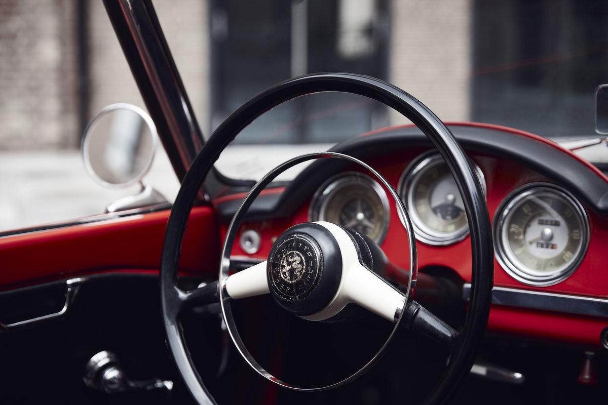 Alfa Romeo Giulietta Spider 1957 For Sale (picture 5 of 6)