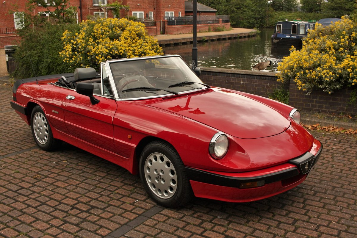 1989 Alfa Romeo Spider 2000 QV - RHD, Red Low Miles SOLD (picture 1 of 6)