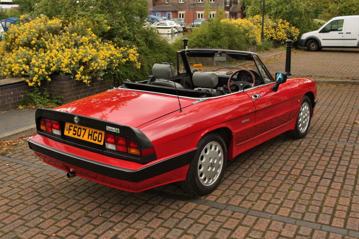 1989 Alfa Romeo Spider 2000 QV - RHD, Red Low Miles SOLD (picture 2 of 6)