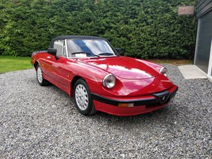 1988 Amazing, 4700 mile, Alfa Romeo Spider Quadrifoglio Verde For Sale