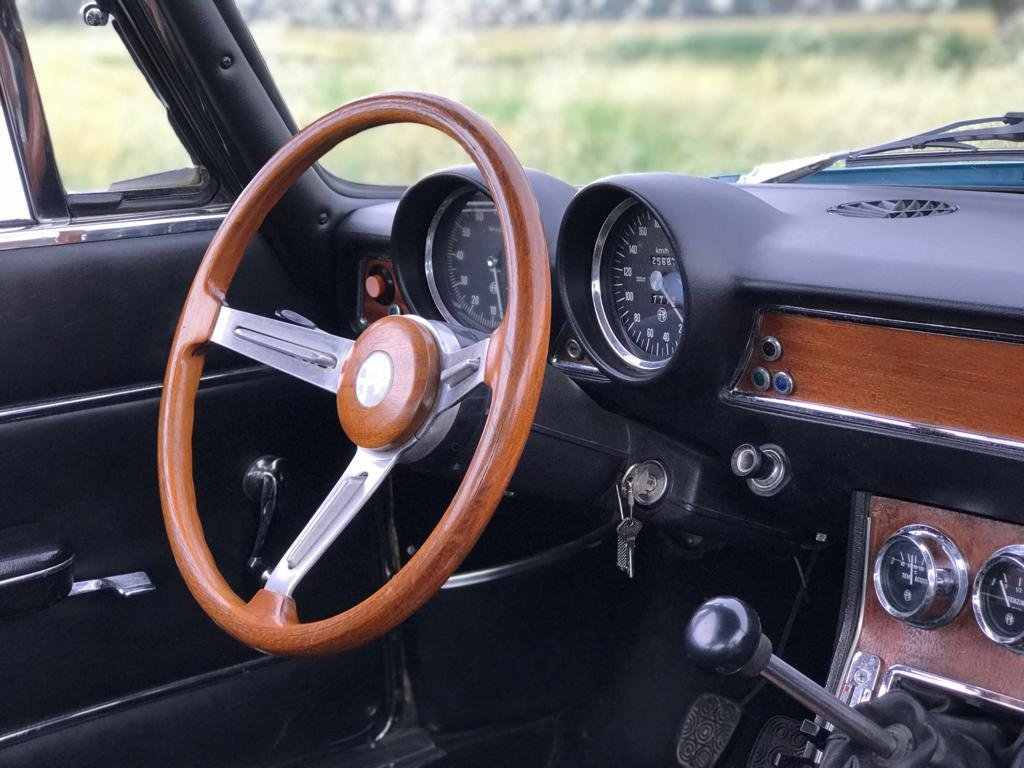 1971 Alfa Romeo GT 1750 For Sale (picture 3 of 6)