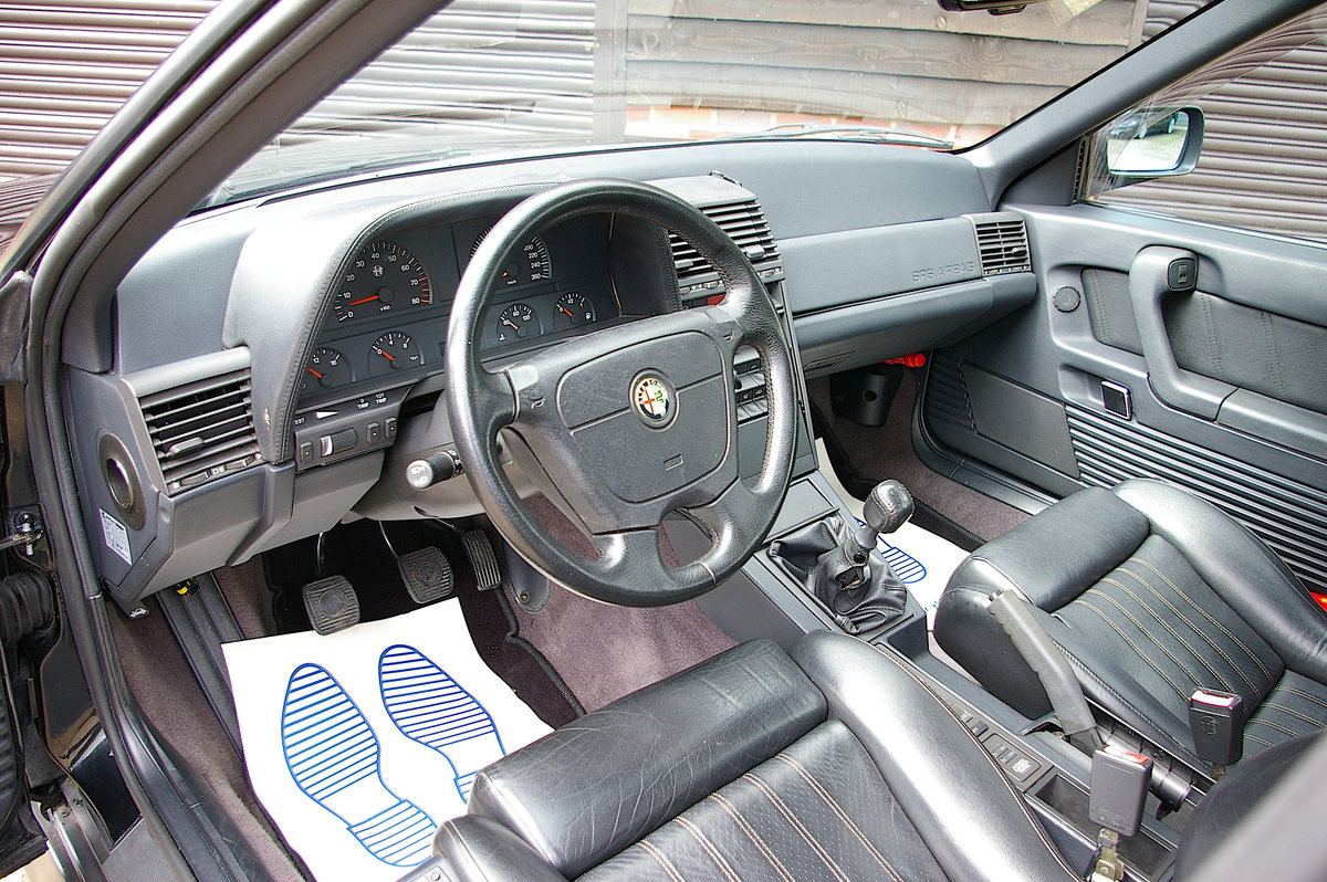 1996 Alfa Romeo 164 3.0 V6 Q4 Manual Saloon LHD (67,219 miles) SOLD (picture 4 of 6)
