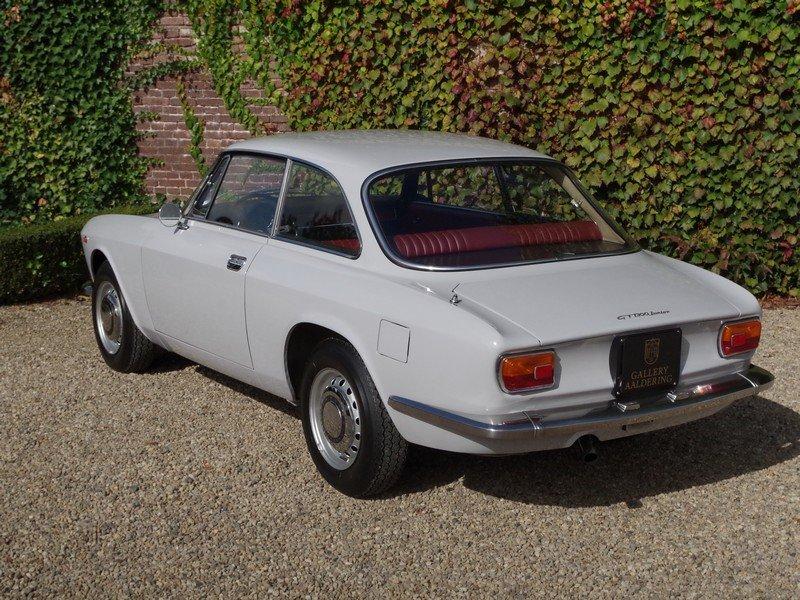 1971 Alfa Romeo 1300 GT superb original condition!!! For Sale (picture 2 of 6)