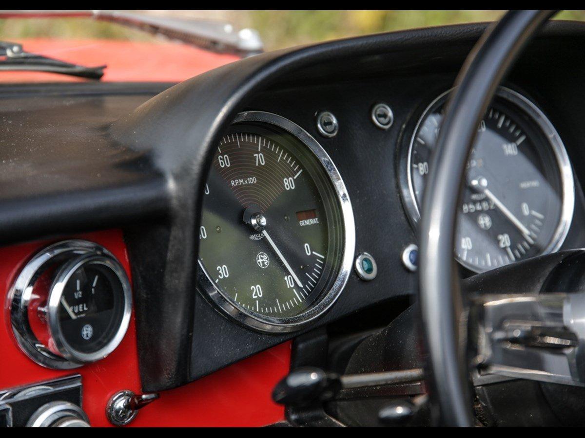 1970 Alfa Romeo Spider 1300 Junior (Roundtail) For Sale (picture 4 of 6)