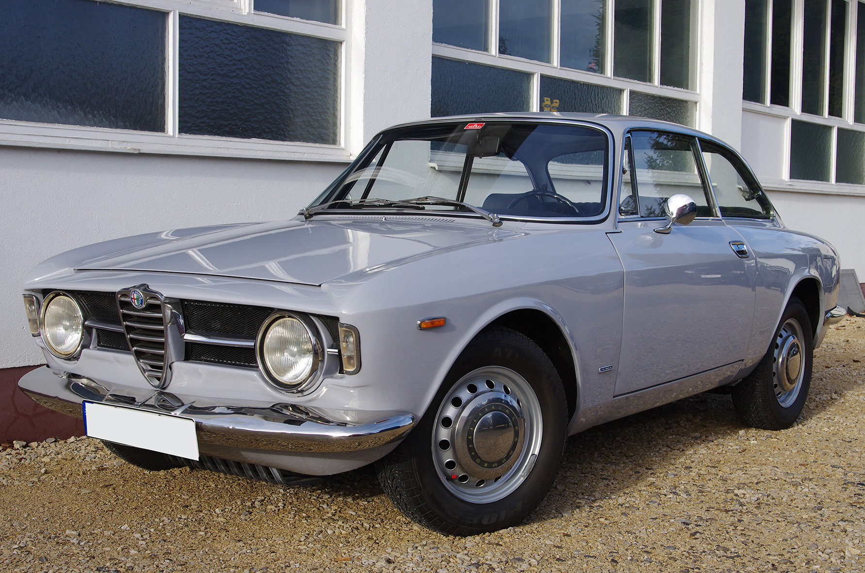 1967 Alfa Romeo Giulia GT 1300 Junior *restored* UK delivery poss SOLD (picture 1 of 6)