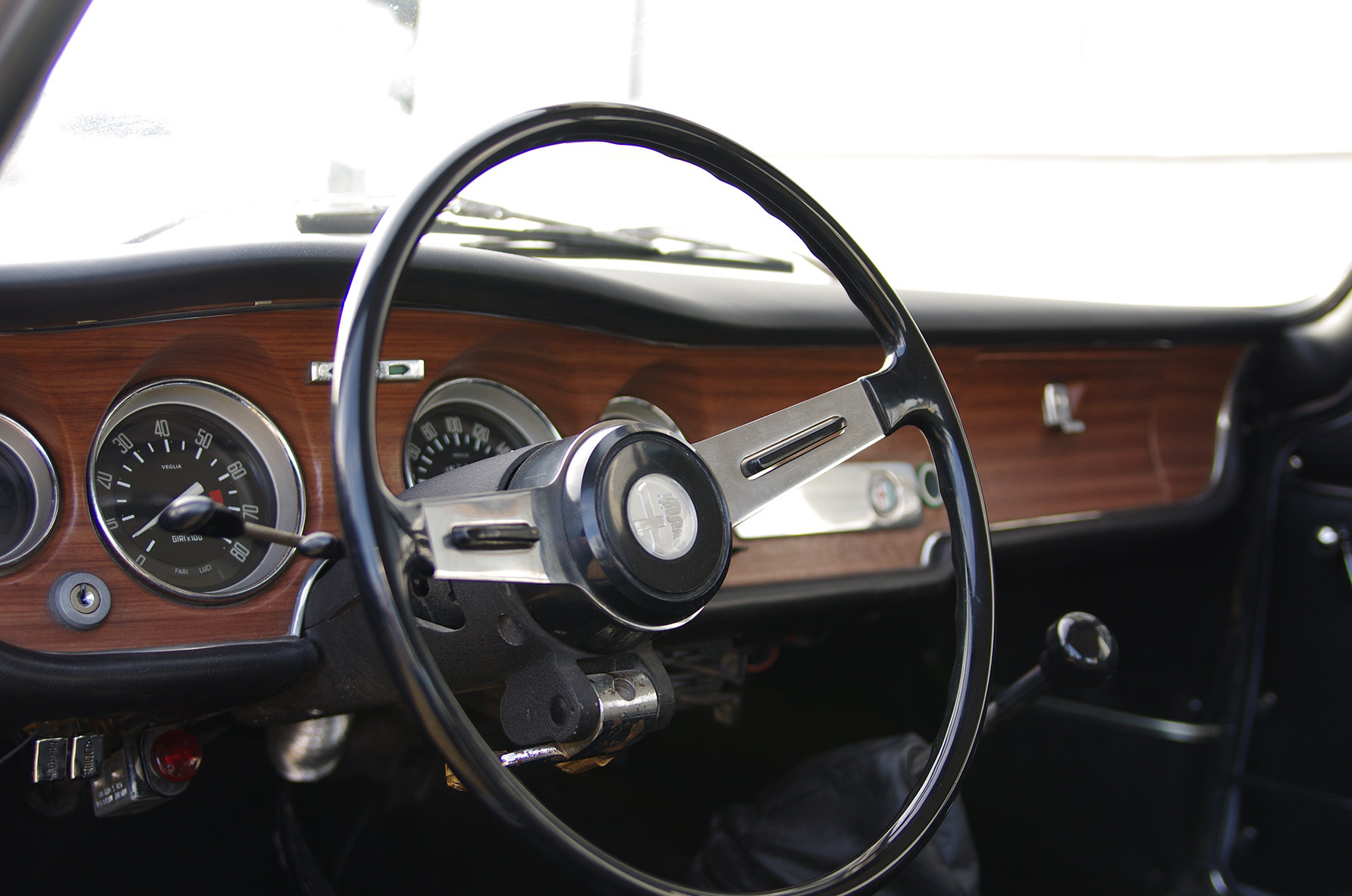 1967 Alfa Romeo Giulia GT 1300 Junior *restored* UK delivery poss SOLD (picture 3 of 6)