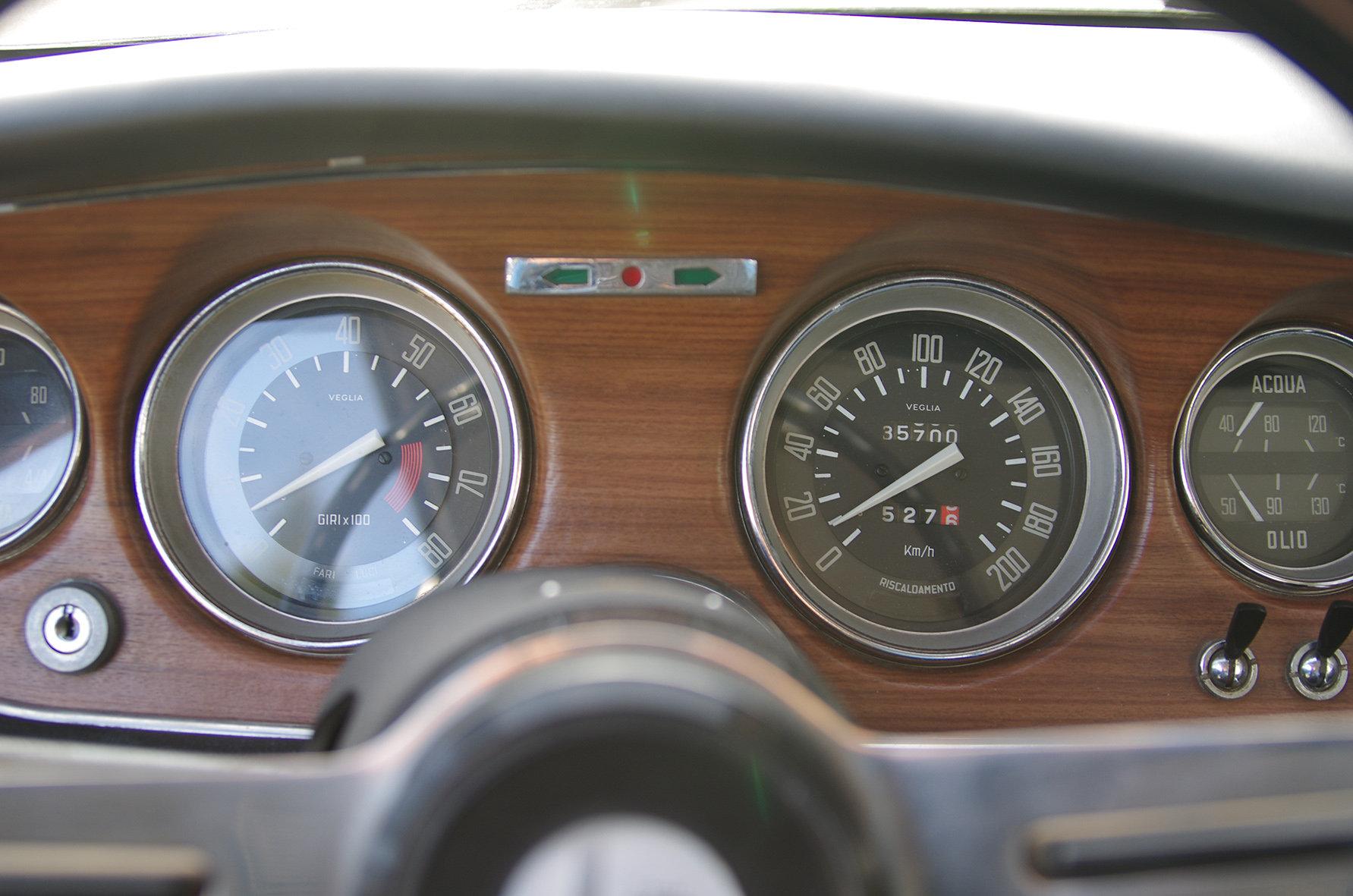 1967 Alfa Romeo Giulia GT 1300 Junior *restored* UK delivery poss SOLD (picture 4 of 6)
