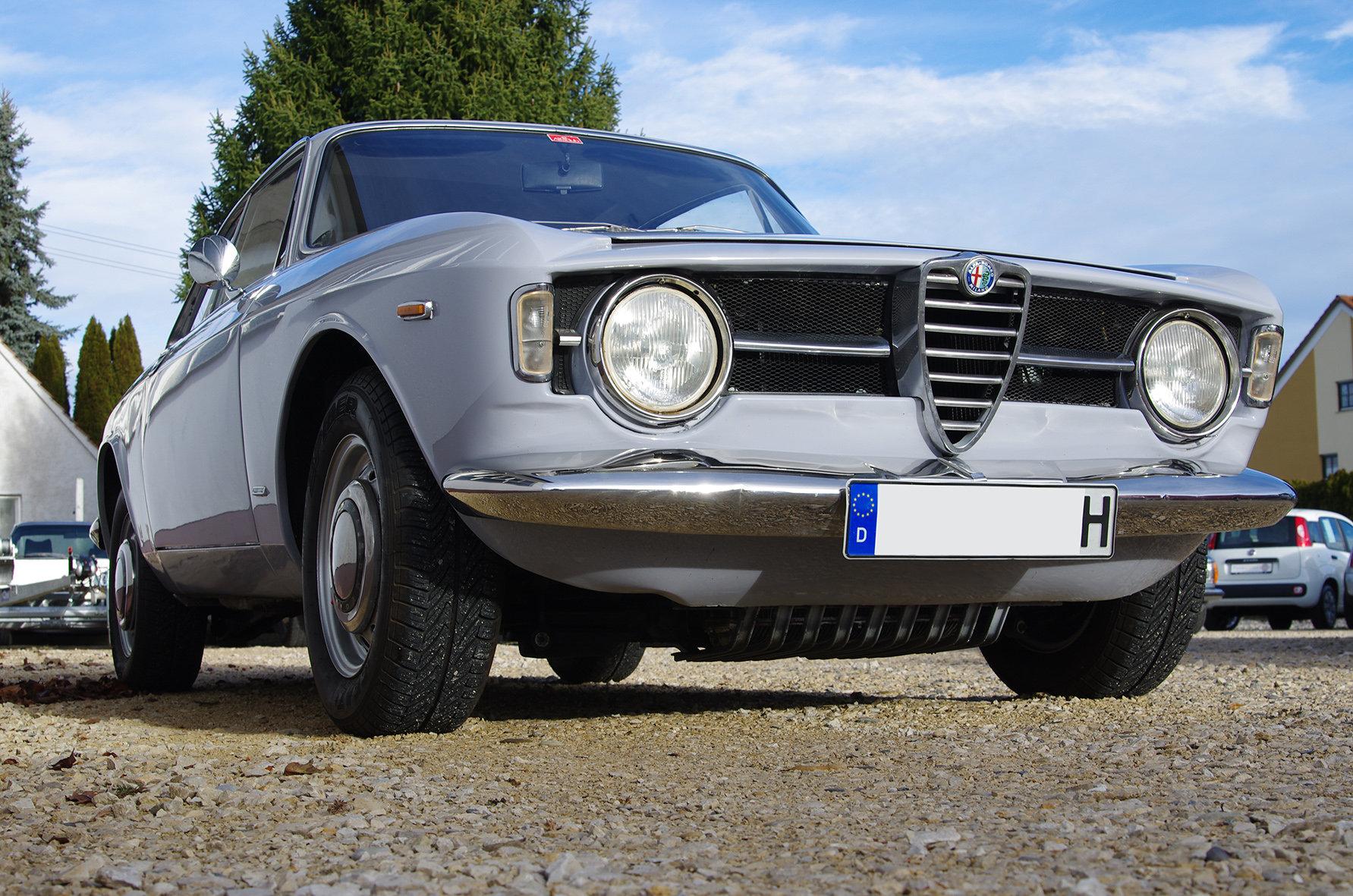 1967 Alfa Romeo Giulia GT 1300 Junior *restored* UK delivery poss SOLD (picture 5 of 6)