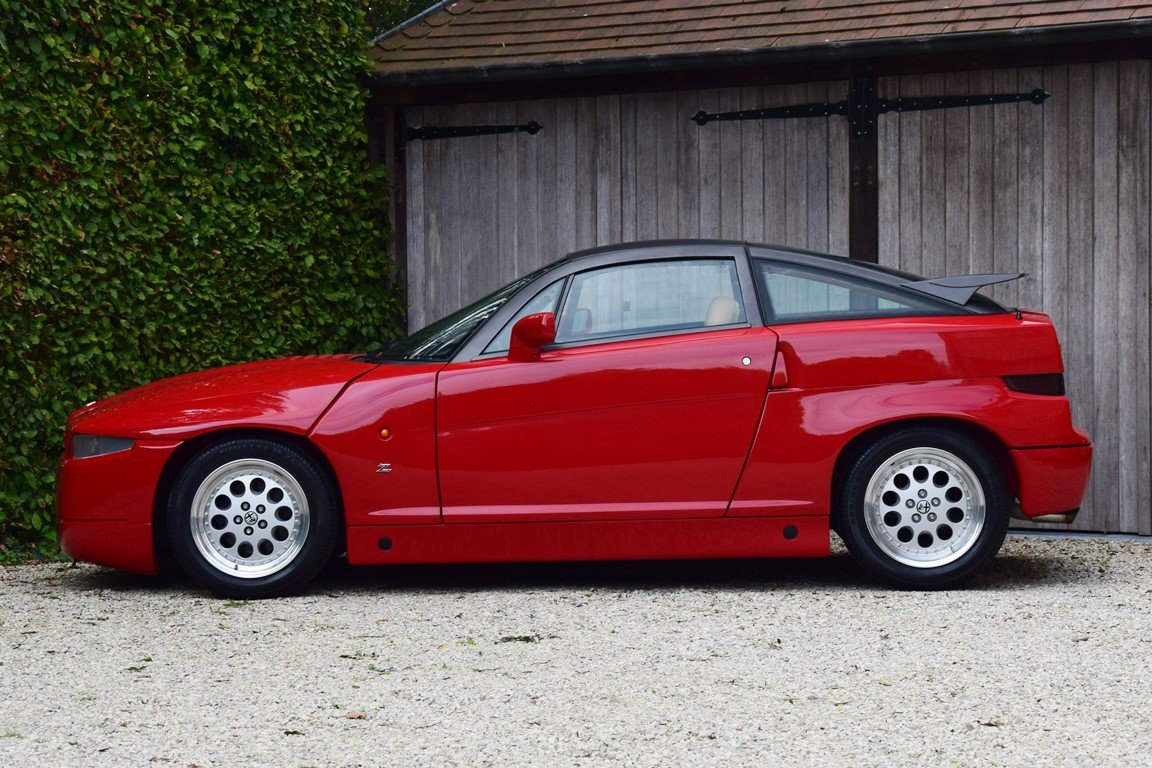 1990 Alfa Romeo SZ. 2452 km. Brand new condition ! For Sale (picture 2 of 6)