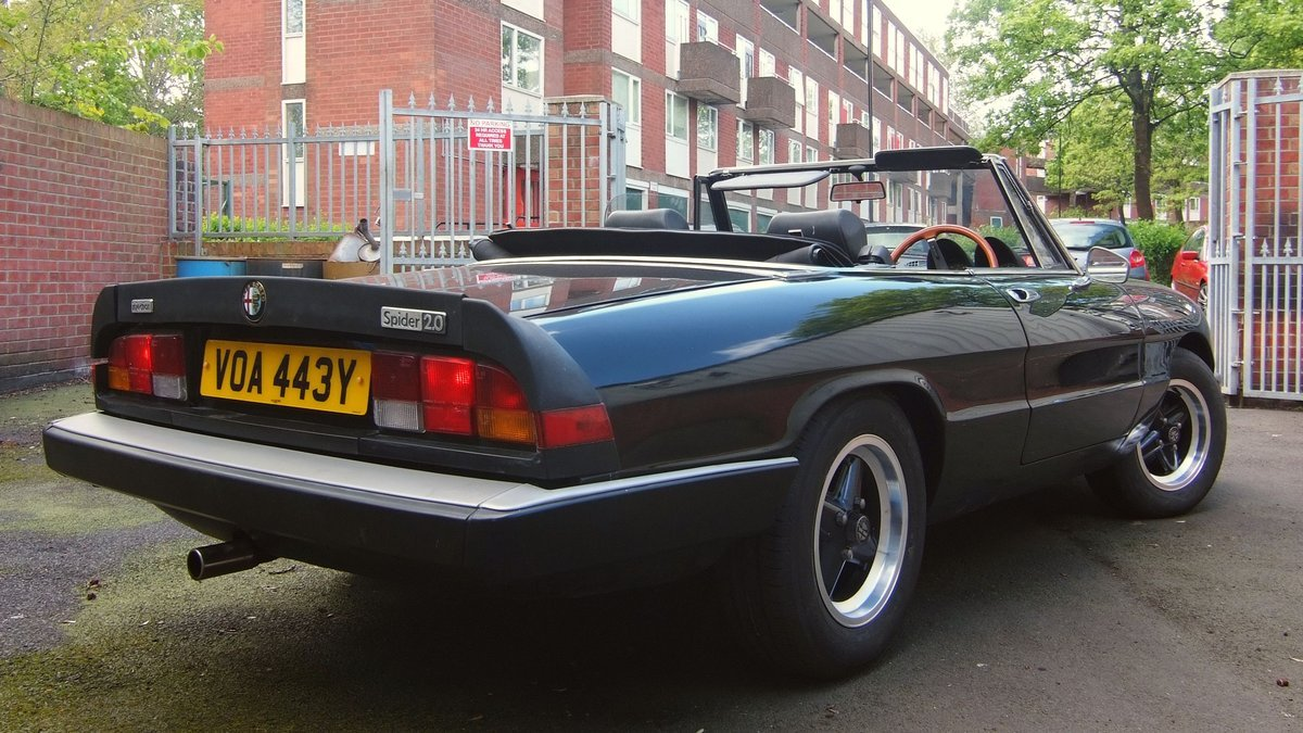 AlfaRomeo 2000GTV and Kammtail Spiders for sale   (picture 5 of 5)