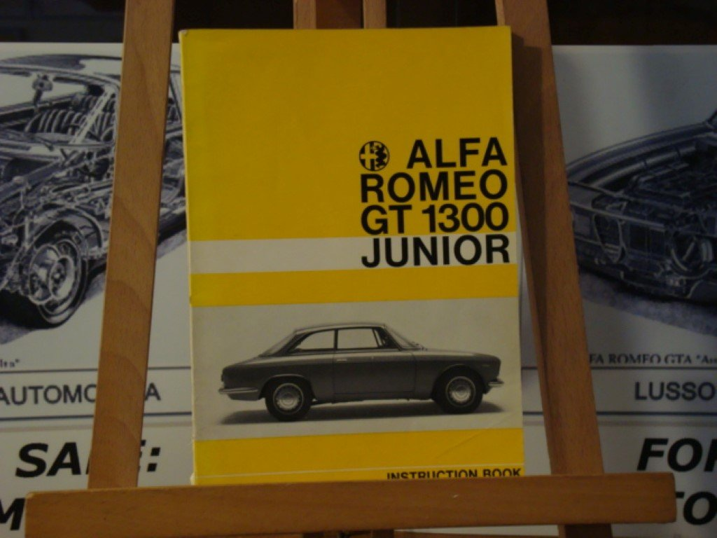 1966 Alfa romeo GT1300 junior instruction book For Sale (picture 1 of 3)