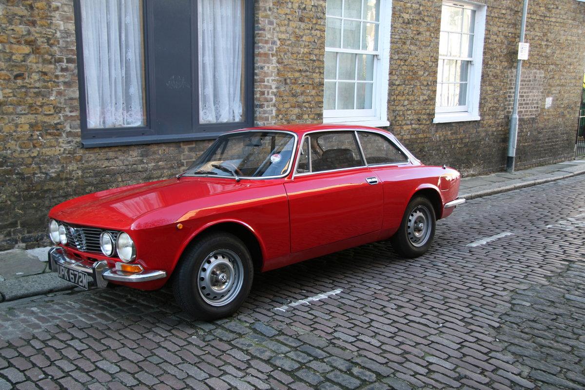 Alfa GTV 2000 SE (1974) SOLD (picture 2 of 2)