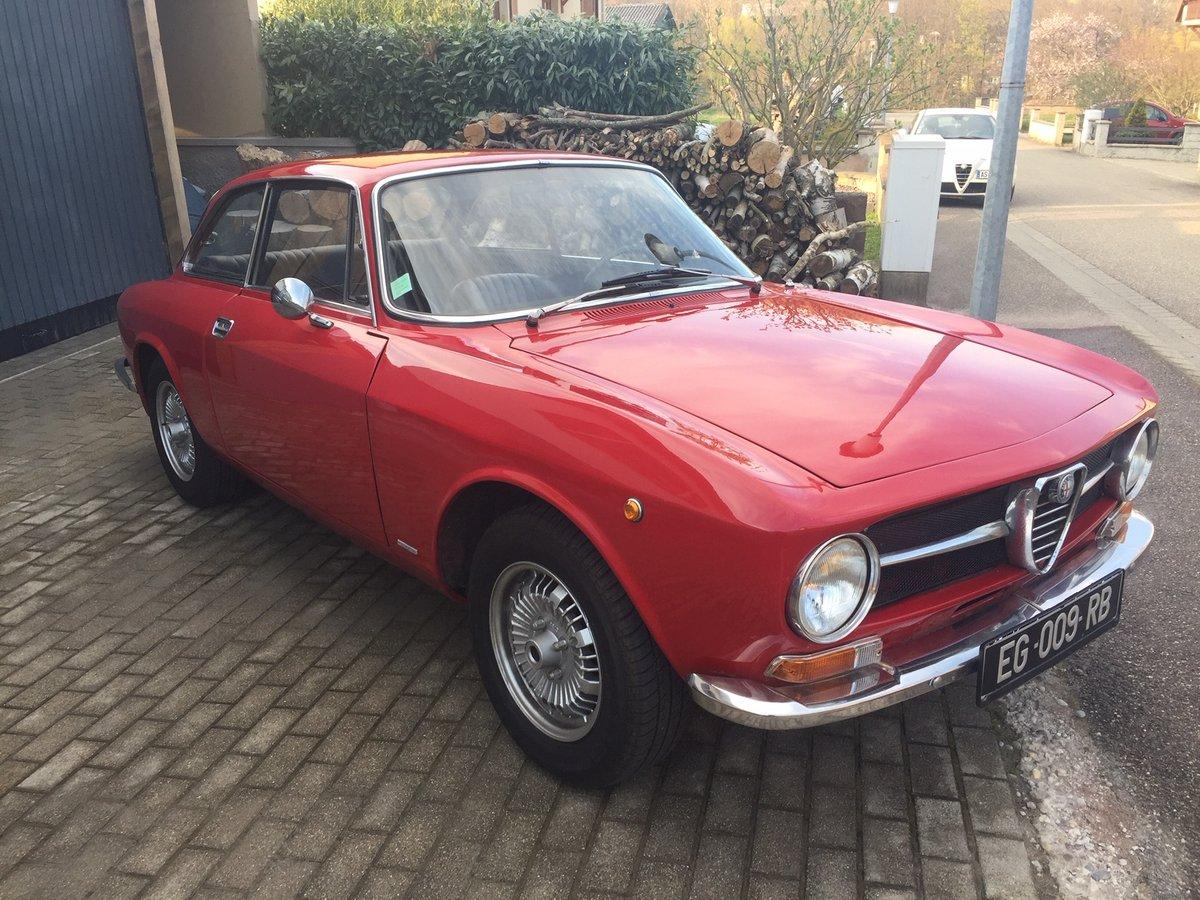 1971 Alfa Roméo 1300GT junior SOLD (picture 1 of 6)