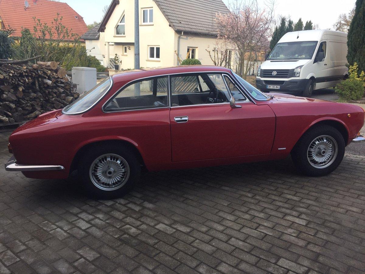 1971 Alfa Roméo 1300GT junior SOLD (picture 2 of 6)