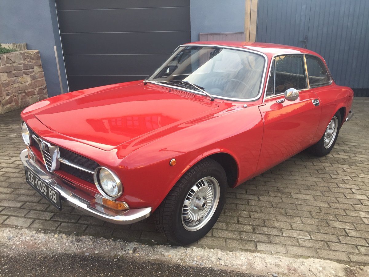 1971 Alfa Roméo 1300GT junior SOLD (picture 3 of 6)