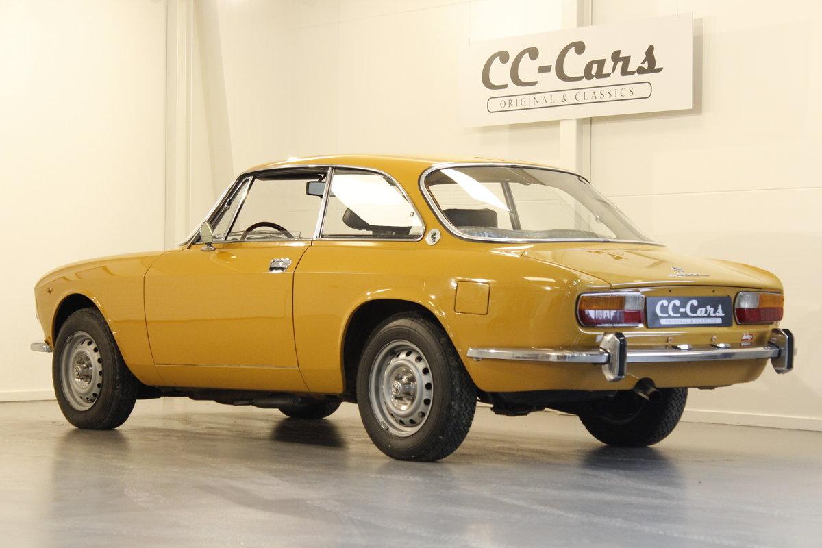 1972 Alfa Romeo 2000 GT Veloce  For Sale (picture 2 of 6)