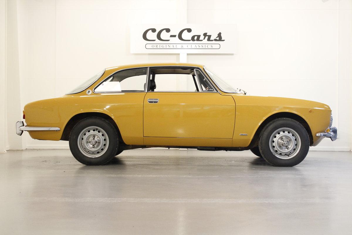 1972 Alfa Romeo 2000 GT Veloce  For Sale (picture 3 of 6)
