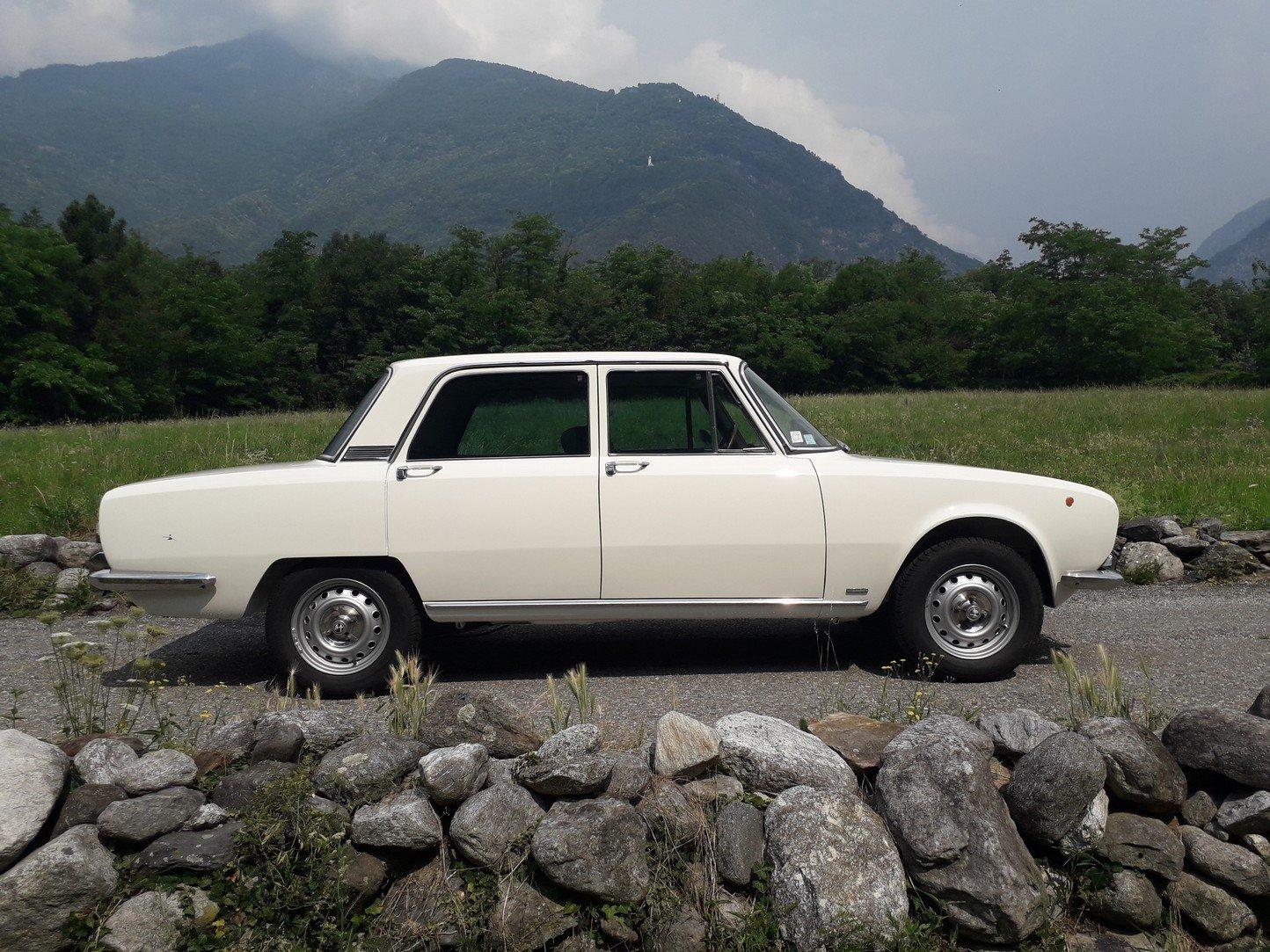 1973 Pristine alfa 2000 berlina bertone, 76 k km! For Sale (picture 2 of 6)
