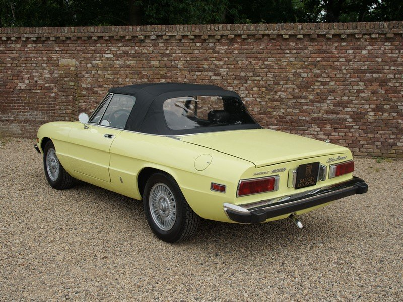 1974 Alfa Romeo Spider 2000 owned by one family, documented from  For Sale (picture 2 of 6)