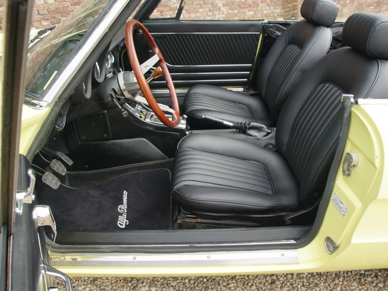 1974 Alfa Romeo Spider 2000 owned by one family, documented from  For Sale (picture 3 of 6)