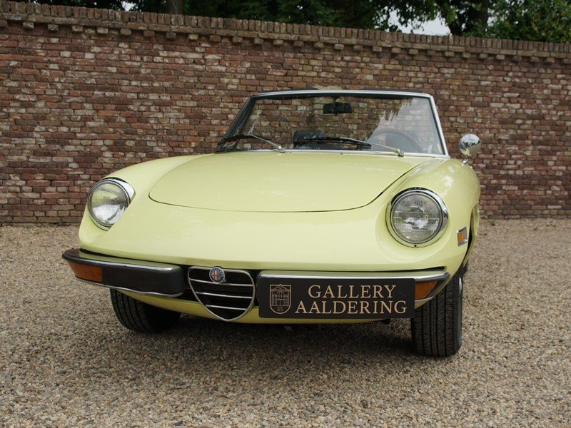 1974 Alfa Romeo Spider 2000 owned by one family, documented from  For Sale (picture 5 of 6)