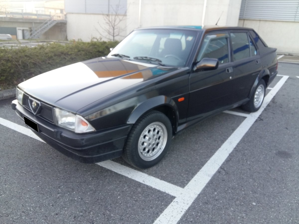 1991 Alfa Romeo 75 Twin Spark Limited For Sale (picture 2 of 6)