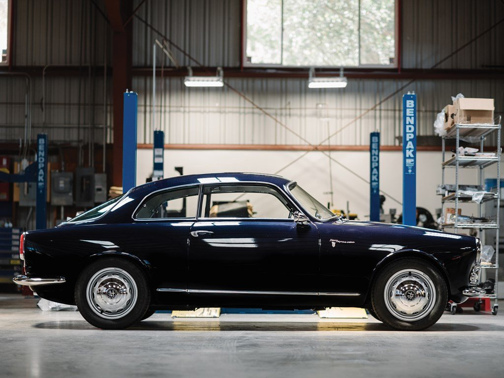1958 Alfa Romeo Giulietta Sprint Veloce by Bertone For Sale by Auction (picture 5 of 6)