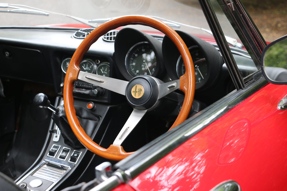 1965 Alfa Romeo 2000 Spider for self drive hire For Hire (picture 3 of 6)