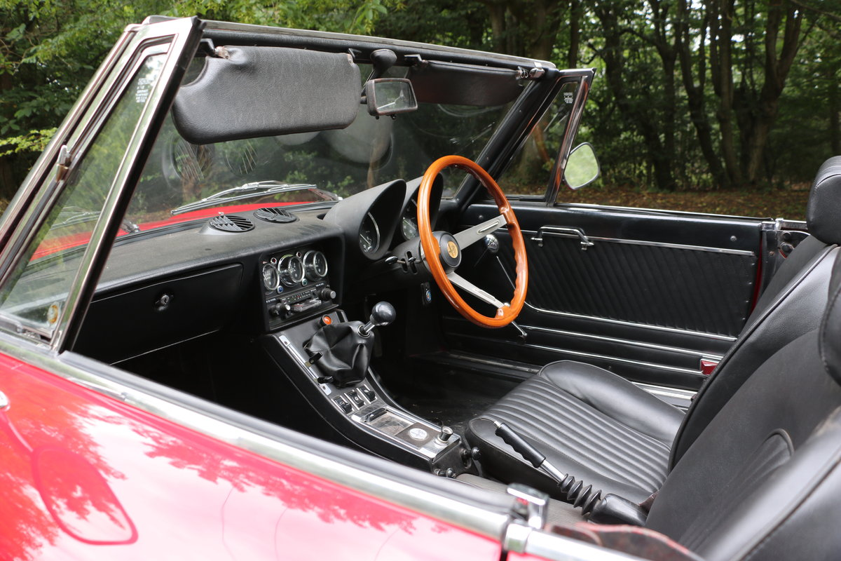 1965 Alfa Romeo 2000 Spider for self drive hire For Hire (picture 6 of 6)