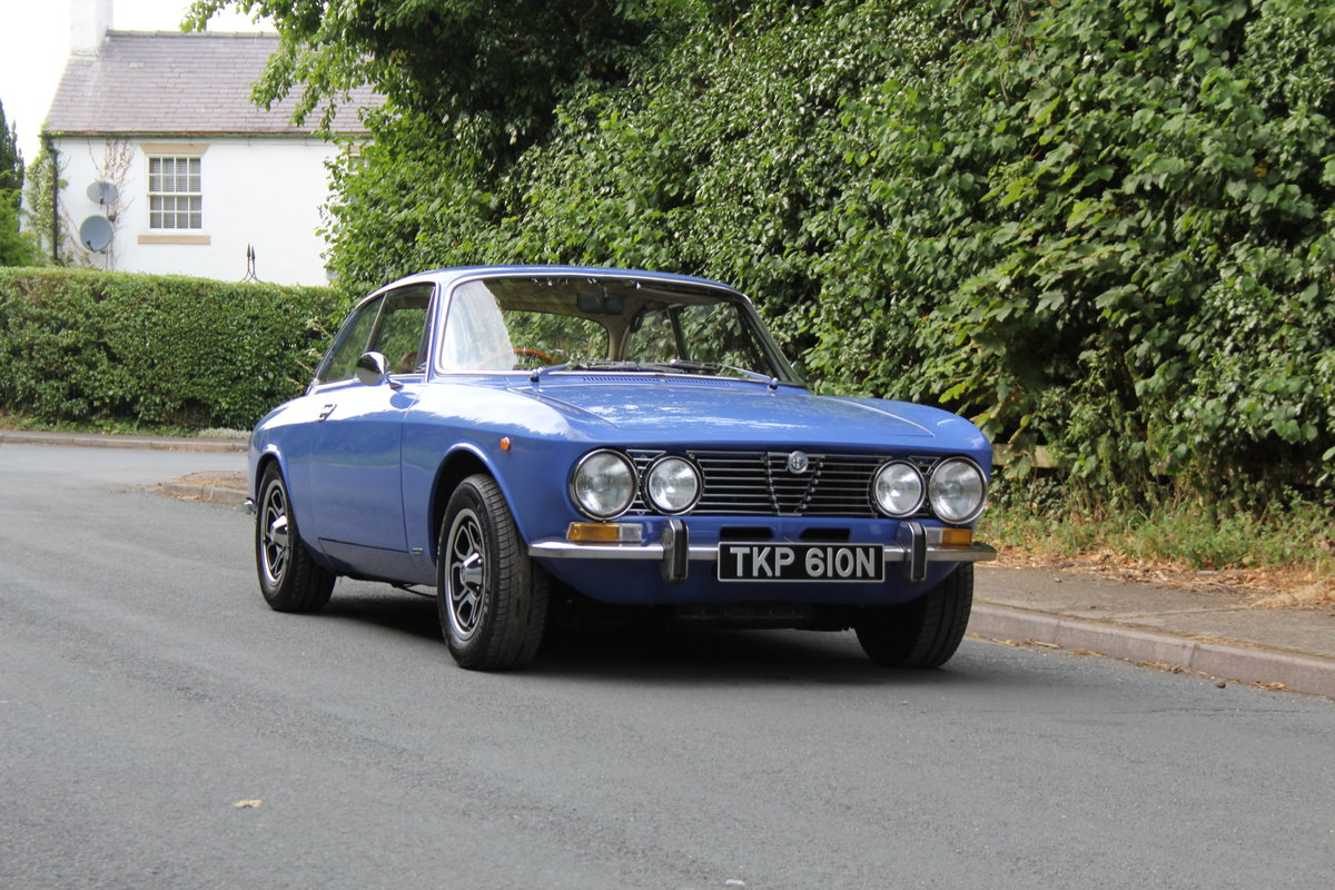 1974 Alfa Romeo 2000 GT Veloce - UK Car - 54,000 miles  SOLD (picture 1 of 20)