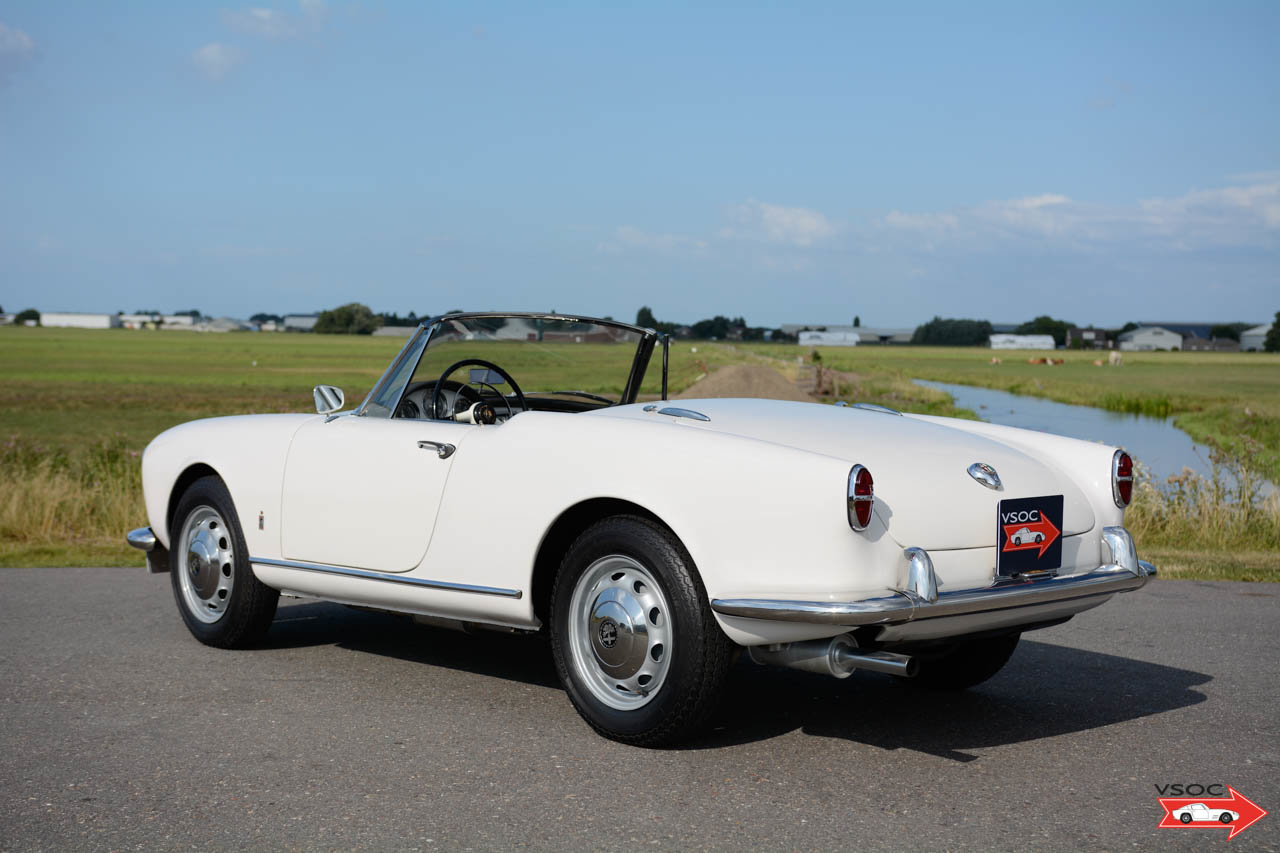 Alfa Romeo Giulietta Spider 1959 matching numbers For Sale (picture 2 of 6)