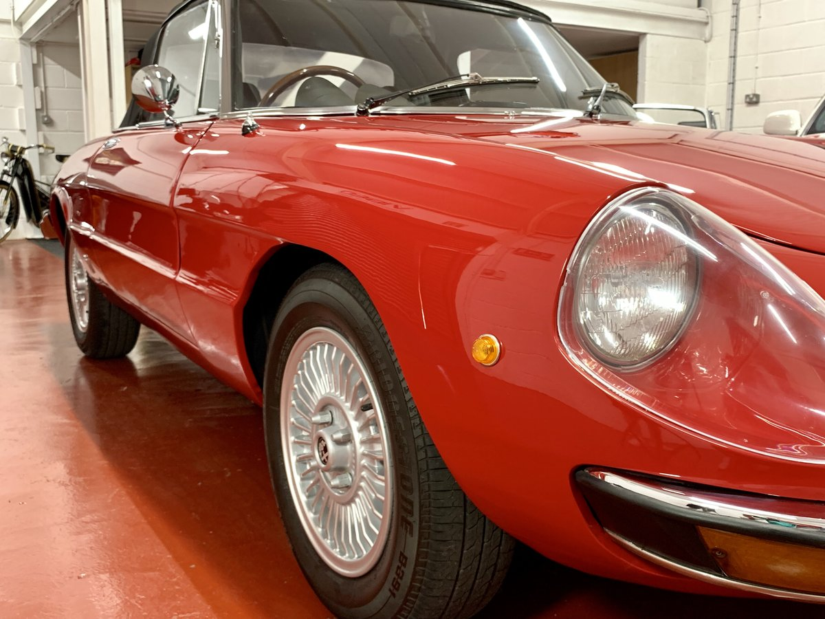 Alfa Romeo 2000 Spider Veloce Kamm Tail S2 1974 // UK RHD For Sale (picture 2 of 6)
