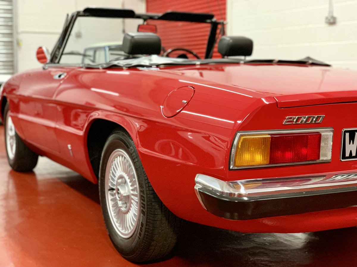 Alfa Romeo 2000 Spider Veloce Kamm Tail S2 1974 // UK RHD For Sale (picture 3 of 6)