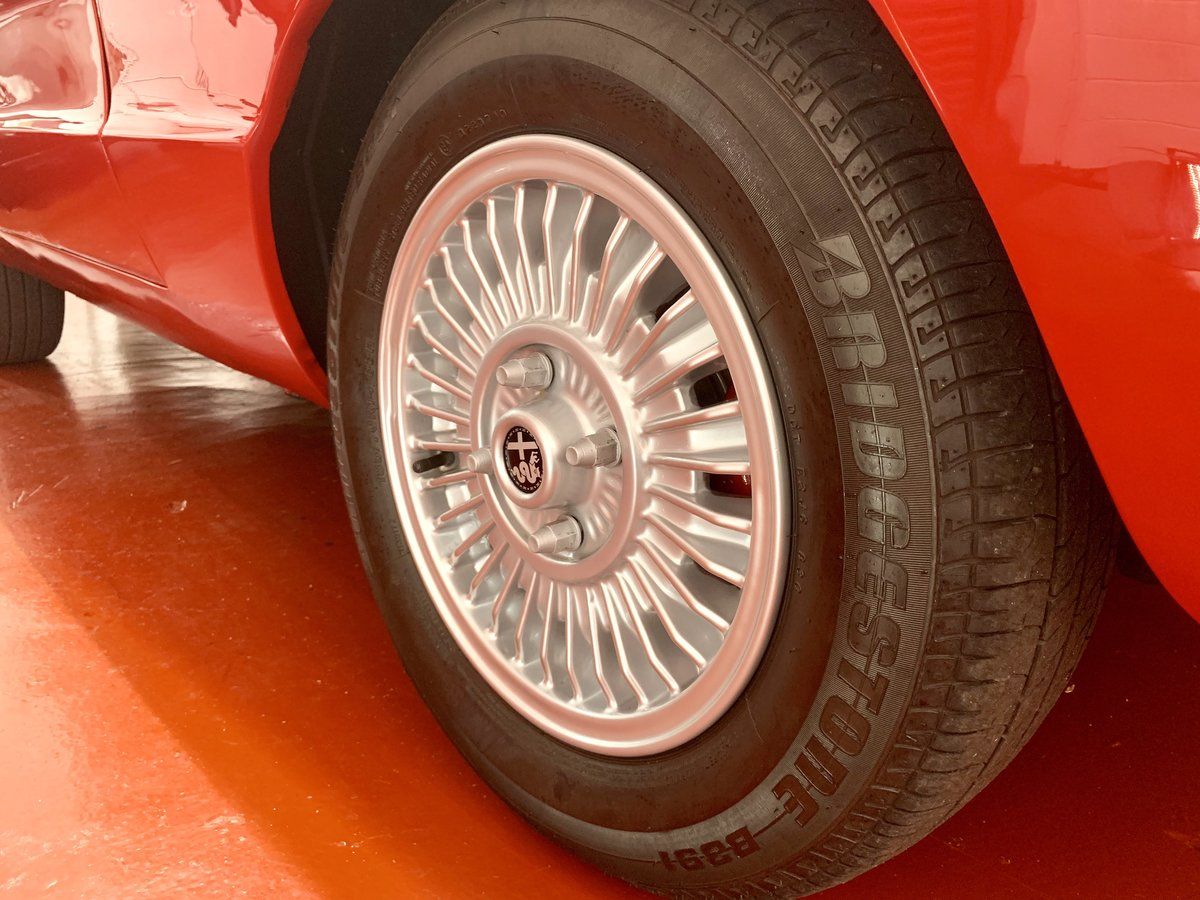 Alfa Romeo 2000 Spider Veloce Kamm Tail S2 1974 // UK RHD For Sale (picture 5 of 6)