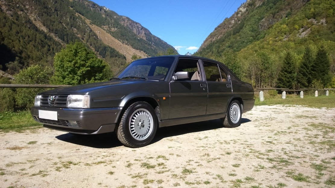 1986 Rare alfa romeo 90 2.5 v6 gold cloverleaf .clima. For Sale (picture 2 of 6)