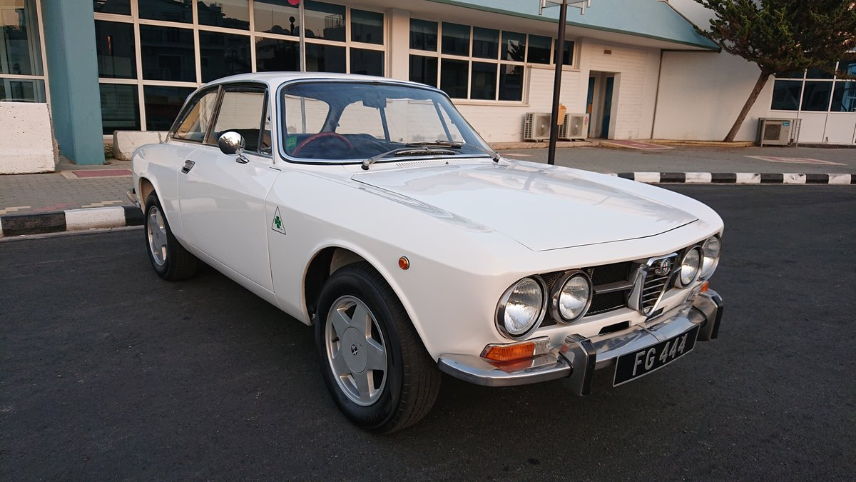 1971 Alfa romeo 1750 gtv veloce mk2 coupe rhd SOLD (picture 1 of 6)